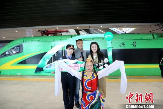 ����app���ؿ������ٷ���ַ22270.COM,成都至西宁首开动车两地铁路旅行时间缩短至10小时