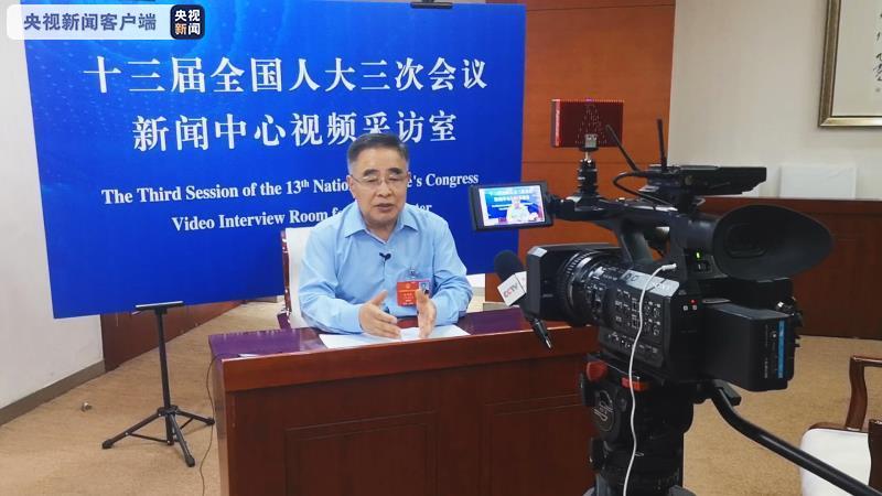 张伯礼回应审议现场落泪:我够不上英雄 志愿者、武汉人民才是英雄