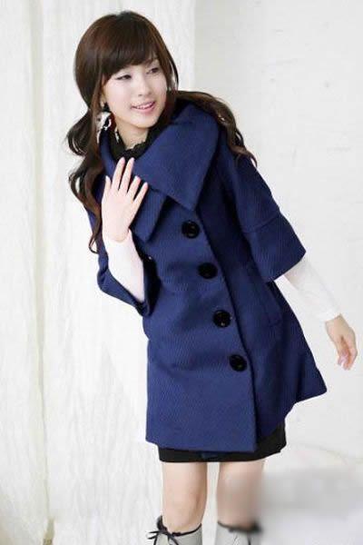 蓝色大衣+短裙+靴子