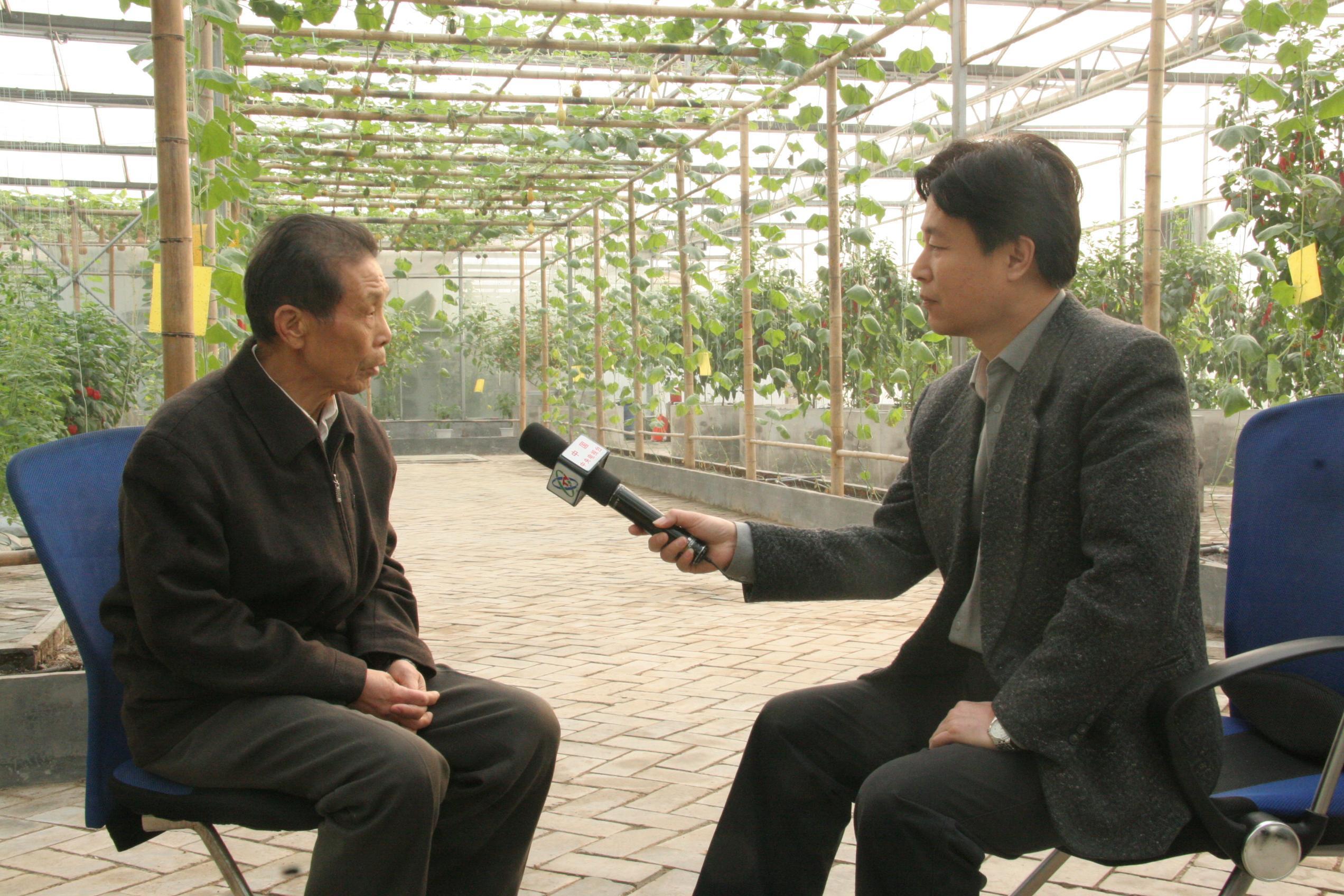 王伯祥/中央电视台焦点访谈记者专访王伯祥书记(张托雅摄)