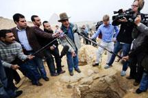 Tombs of pyramid builders discovered