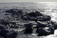 Ice coverage continues to expand in Bohai Sea