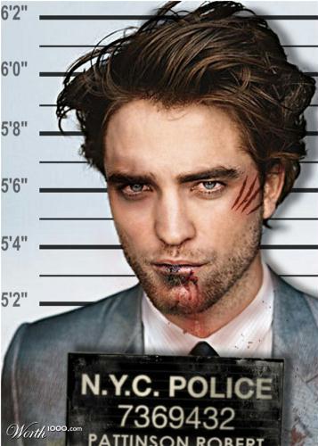 刚才在CCTV英文主页看到我们的Rob被恶搞 暮光之城吧图片