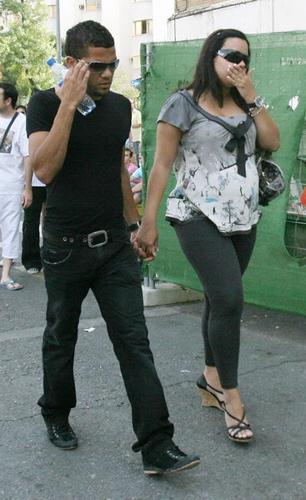 دنی آلوز و همسرش
