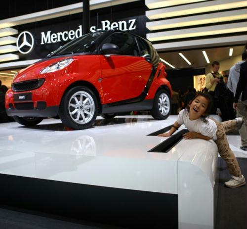 A SMART hybrid car is seen at the AutoChina 2010 car show that ended on May 2. Green cars made up a 10th of the 990 vehicls shown at the exhibition. Zou Hong / China Daily