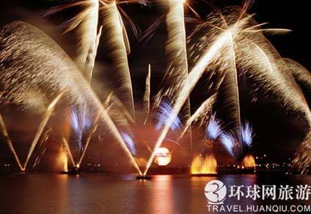 Disneyland(PhotoSource:huanqiu.com)