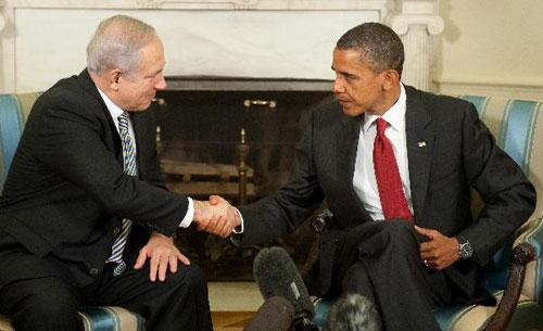 U.S. President Barack Obama(R) meets Israeli Prime Minister Benjamin Netanyahu(L) in the White House on July 6, 2010.(Xinhua/AFP)
