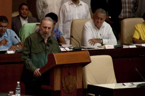 Former Cuban leader Fidel Castro addresses a meeting of the National Assembly in Havana, Cuba, August 7, 2010. Fidel Castro delivered a speech on the Iranian nuclear issue before Cuba's parliament Saturday, his first official government appearance in four years. (Xinhua/Wang Pei)