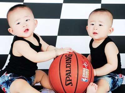 清凉宝宝:双胞胎兄弟