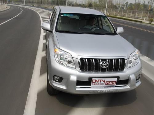 2013款丰田霸道2700中东版2.7报价39万