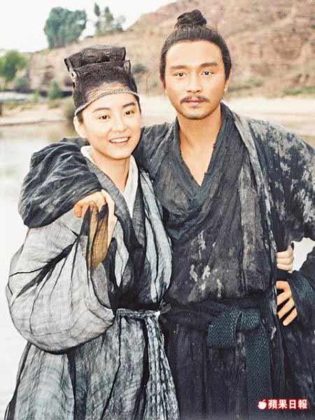 林青霞(左)和张国荣1993年因拍《东邪西毒》成好友,如今却天人永隔