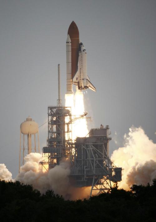 亚特兰蒂斯号航天飞机在佛罗里达州的肯尼迪航天中心