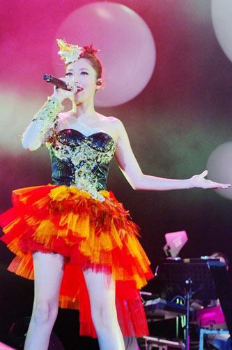 天生歌姬ALin香港开唱