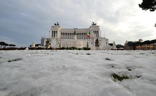 罗马2月3日遭遇自1985年以来最大的一次降雪