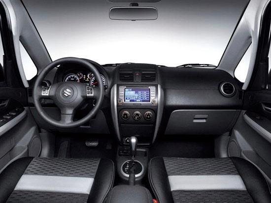 图片为2011款长安铃木天语sx4两厢车型的内饰设计高清图片