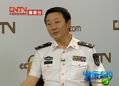 海军总医院眼科暨全军视光学中心主任彭秀军