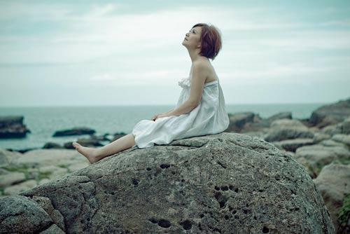 梁静茹新歌《爱久见人心》受热捧被称今夏最热情歌