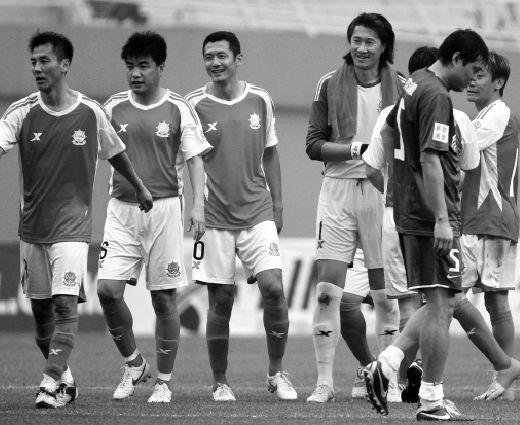 上海百威明星队,北京国安老男孩足球队,青岛中央广场海牛足球队,陕西