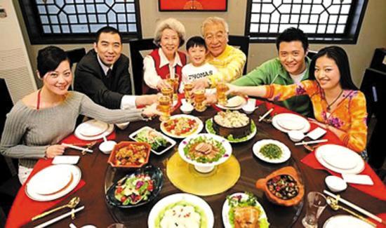 Costumbres de la fiesta de la primavera cctv international for Q cenar esta noche