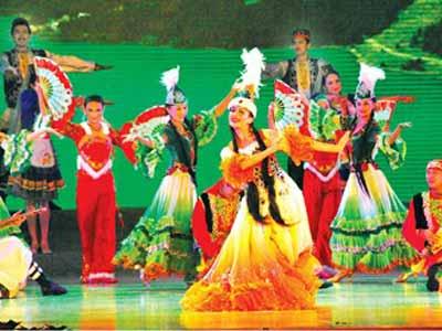Semana  de Xinjiang  <br>en la Exposicón  Mundial  de  <br>Shanghai  2010