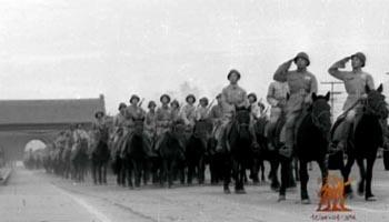 骑兵部队在长安街上