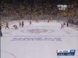 [NHL]蓝衣后场失误 企鹅队反击中推射空门得手