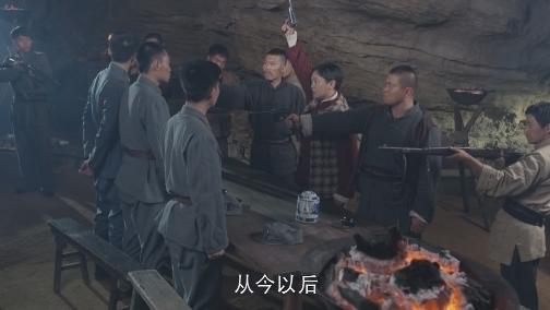 日軍突圍屢碰壁 范汪二人起爭執 00:00:56