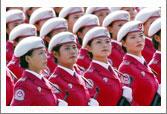 女民兵巾帼不让须眉