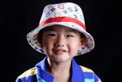 3岁宝贝张艺涵