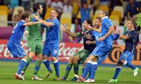<center>意大利0(4)-0(2)英格兰</center>