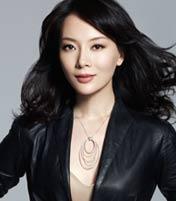 <b>陈数 著名演员</b><br>出身音乐世家,曾在东方歌舞团任舞蹈演员,之后考入中央戏剧学院表演系,2001年进入中国国家话剧院,至今已参演了多部脍炙人口的影视剧和舞台剧。