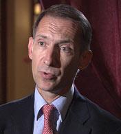 尼古拉.巴维莱兹<br>法国国家行政学院教授 总统经济顾问