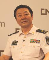 海军总医院眼科暨全军视光学中心主任 彭秀军