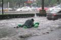 城市被雨水浸泡 思念幽暗城那宽阔的下水道