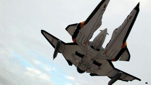 令人震撼的拍摄艺术 《沙罗曼蛇》飞船乱入现实