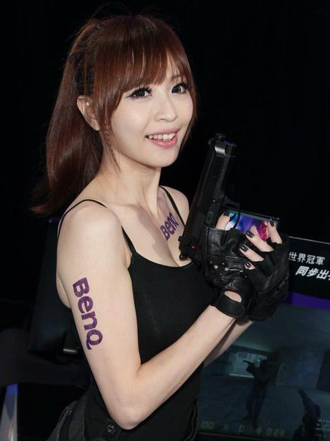 台湾知名网络美女lucy