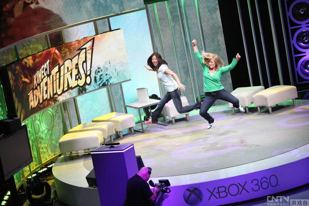 Xbox发布十周年 微软举公布老照片