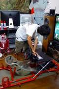 看日本技术宅跟家玩GT5
