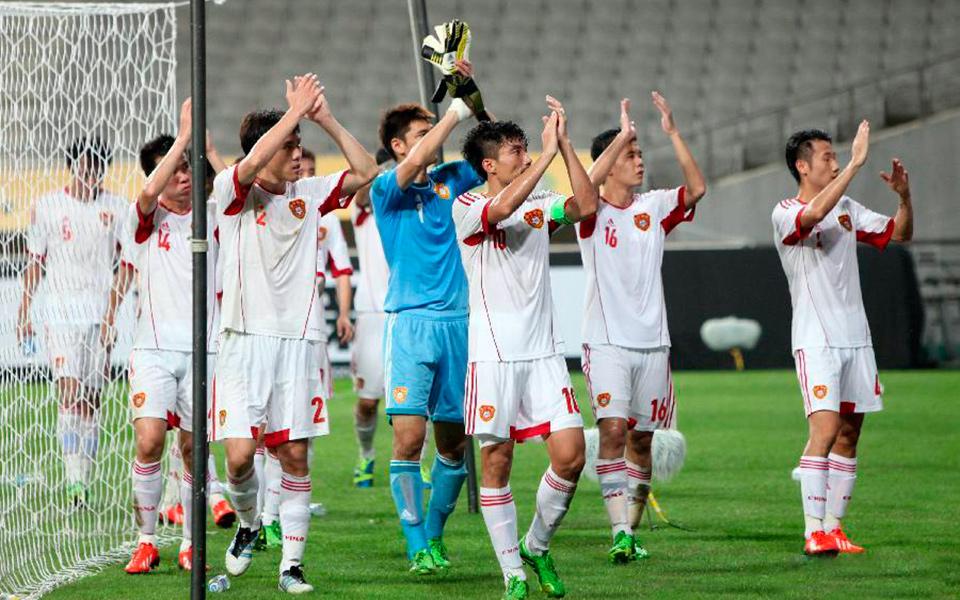 在韩国首尔世界杯体育场举行的2013年东亚杯足球赛男子组比赛中,中国