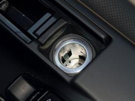 保时捷-Boxster车厢内饰图片