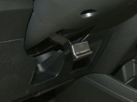本田-飞度车厢内饰图片