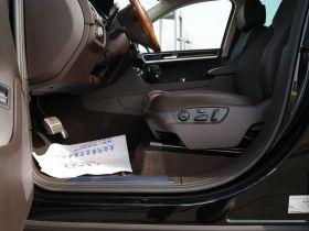 大众-途锐车厢内饰图片
