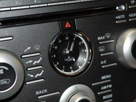阿斯顿·马丁-Rapide中控方向盘图片