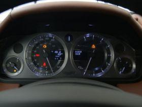 阿斯顿·马丁-V8 Vantage中控方向盘图片