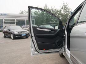 奔驰-奔驰B级车厢内饰图片