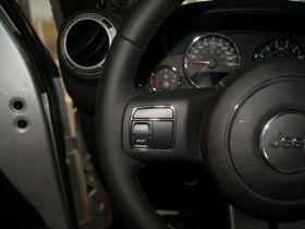 Jeep吉普-牧马人中控方向盘图片
