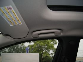 奔驰-奔驰R级车厢内饰图片