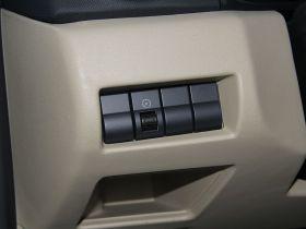 马自达-马自达3中控方向盘图片