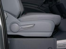 奔驰-威霆车厢内饰图片