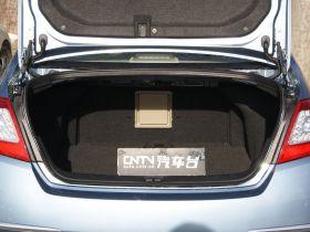 日产-天籁车厢内饰图片